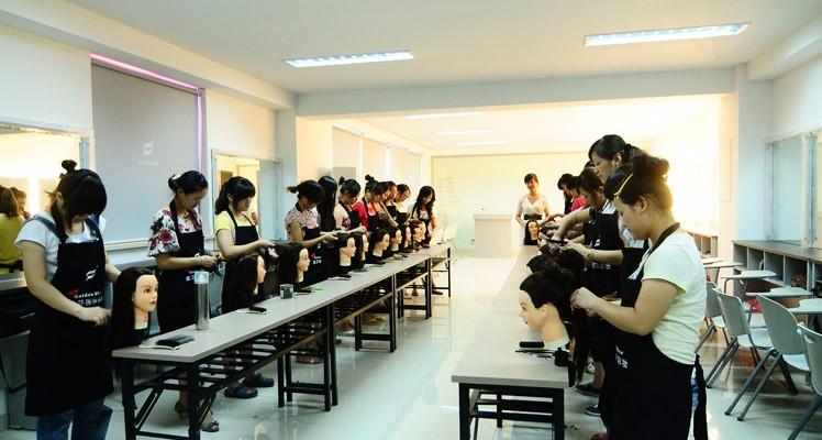 广州金莎学校怎么样-正规皮肤管理-广州市金莎职业培训学院