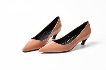 坡跟女鞋零售 那边有大码女鞋特卖 全信网络科技(广州)无限公司
