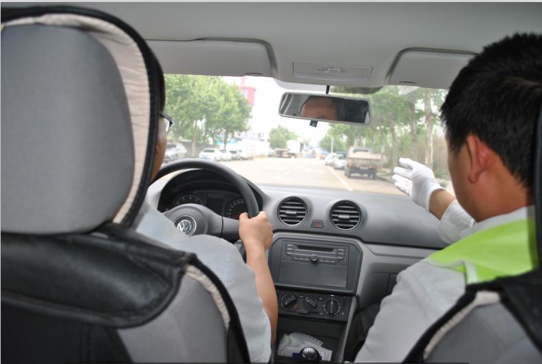 驾照 提供新手上路复训 成都老司机汽车服务有限公司