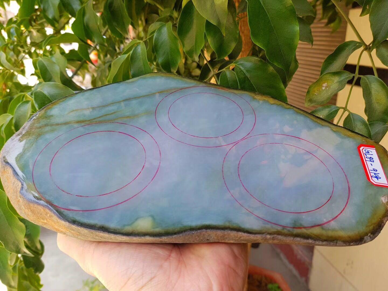 哪家玉石比较好/缅甸翡翠鉴定/瑞丽市绿林贸易有限公司