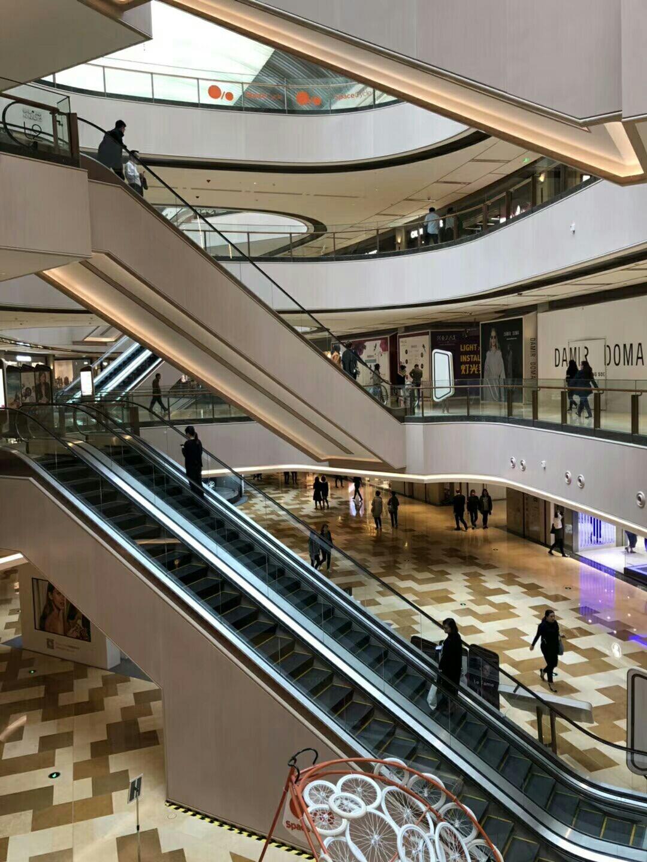 上海自动扶梯装修公司_性价比高的实木复合地板_上海谷山实业有限公司